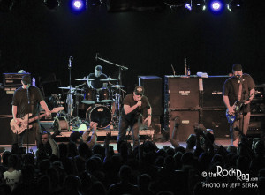 Pennywise Rocks the Glass House therockrag